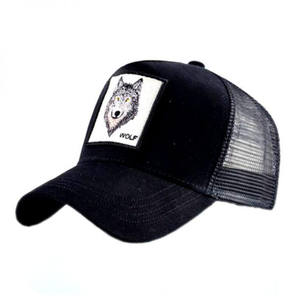 """Casquette noir avec un logo d'une tête de loup et une écriture """"wolf"""""""