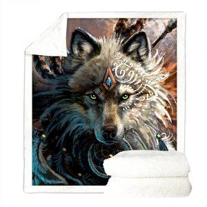 Plaid loup déplier avec un diamant sur le front, un attrape rêve, des plumes et une lance