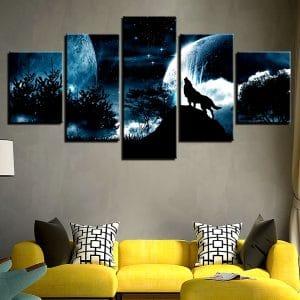 Tableau Loup Ciel Étoilé sur un mur dans un salon