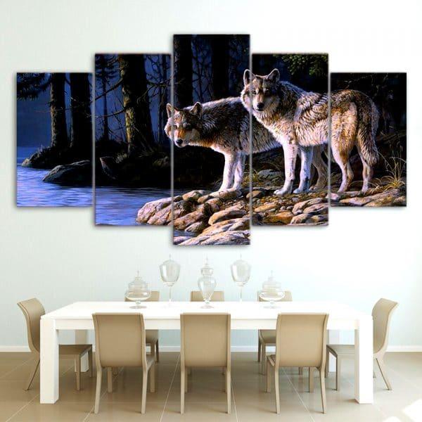 Tableau Loup Gris sur un mur dans une salle à manger
