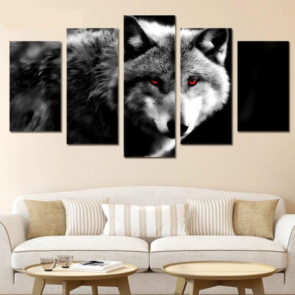 Tableau Loup Déco sur un mur dans un salon