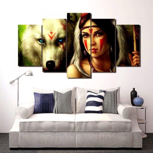 Tableau Loup Mural avec Indienne sur un mur dans un salon