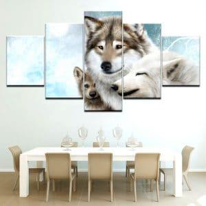 Tableau Loup Famille sur un mur dans une salle à manger