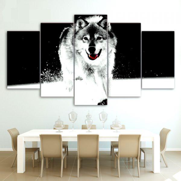 Tableau Loup Décoration sur un mur dans une salle à manger