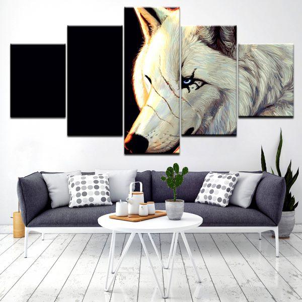 Tableau Loup Blanc Cicatrice sur un mur dans un salon