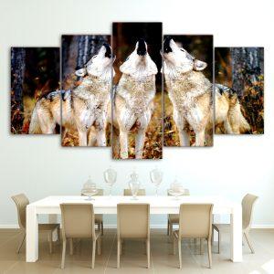 Tableau 3 Loups qui Hurlent sur un mur dans une salle à manger