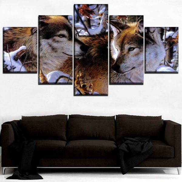 Tableau Loup Hiver sur un mur dans un salon
