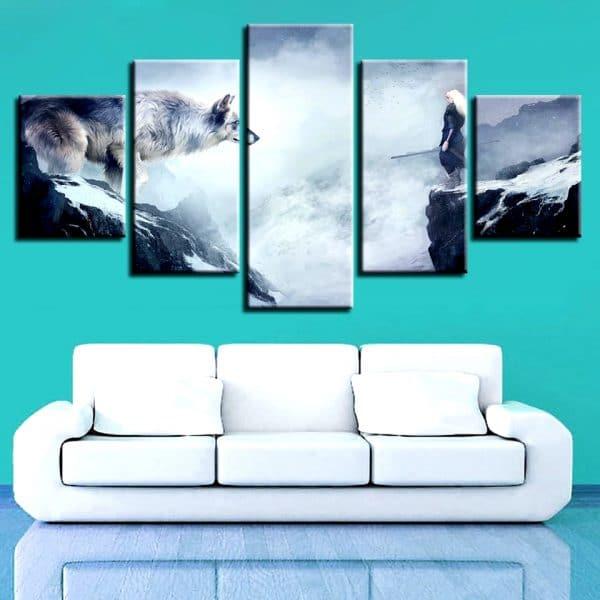 Tableau Loup Fantaisie En Hiver sur un mur dans un salon