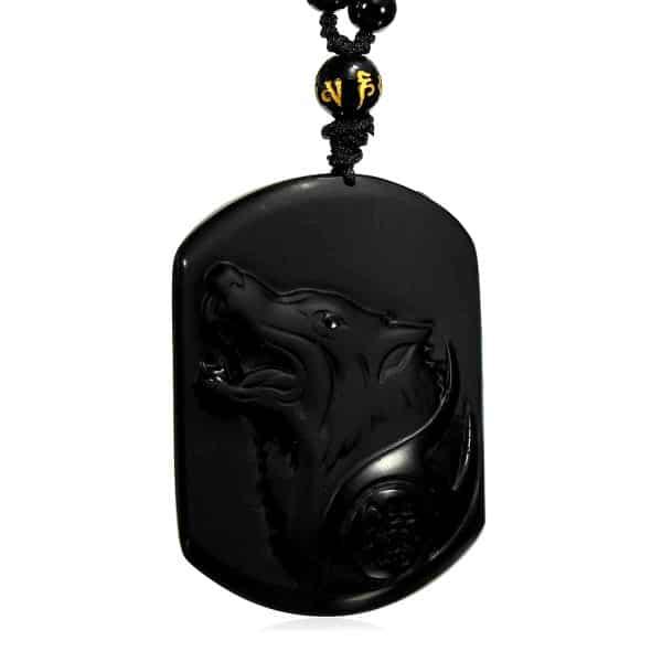 Collier Loup Obsidienne vue de pres